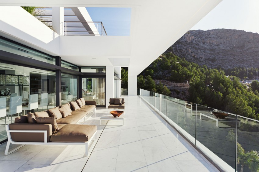 The Cliff House by Altea Hills Estate 02