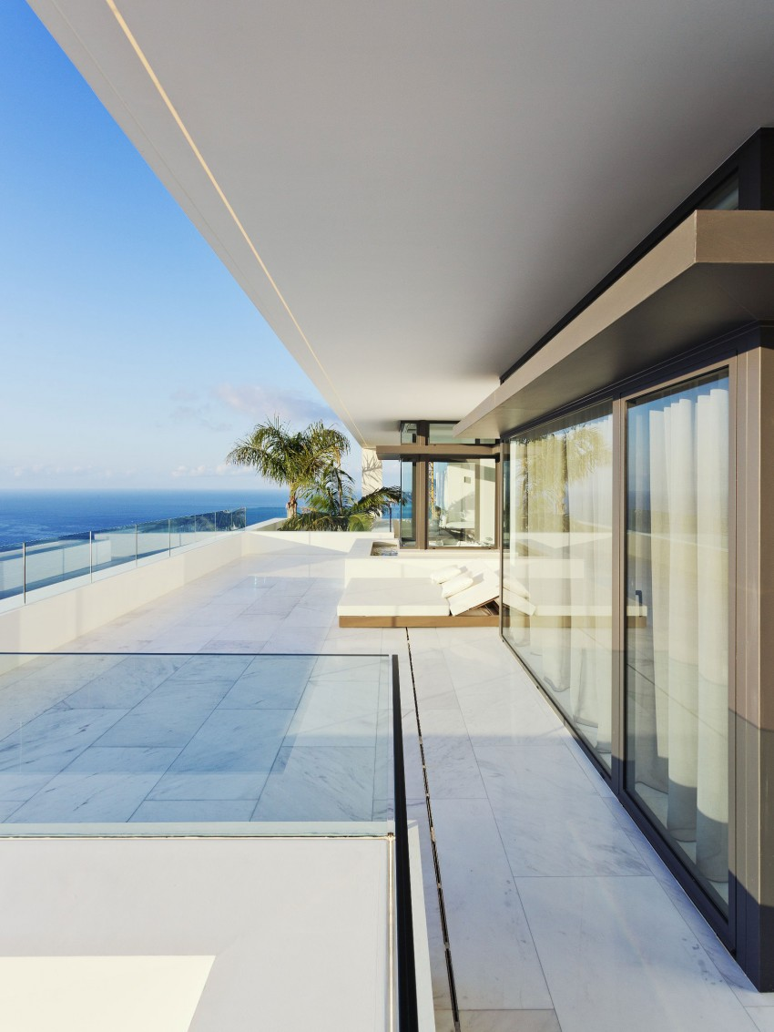 The Cliff House by Altea Hills Estate 04