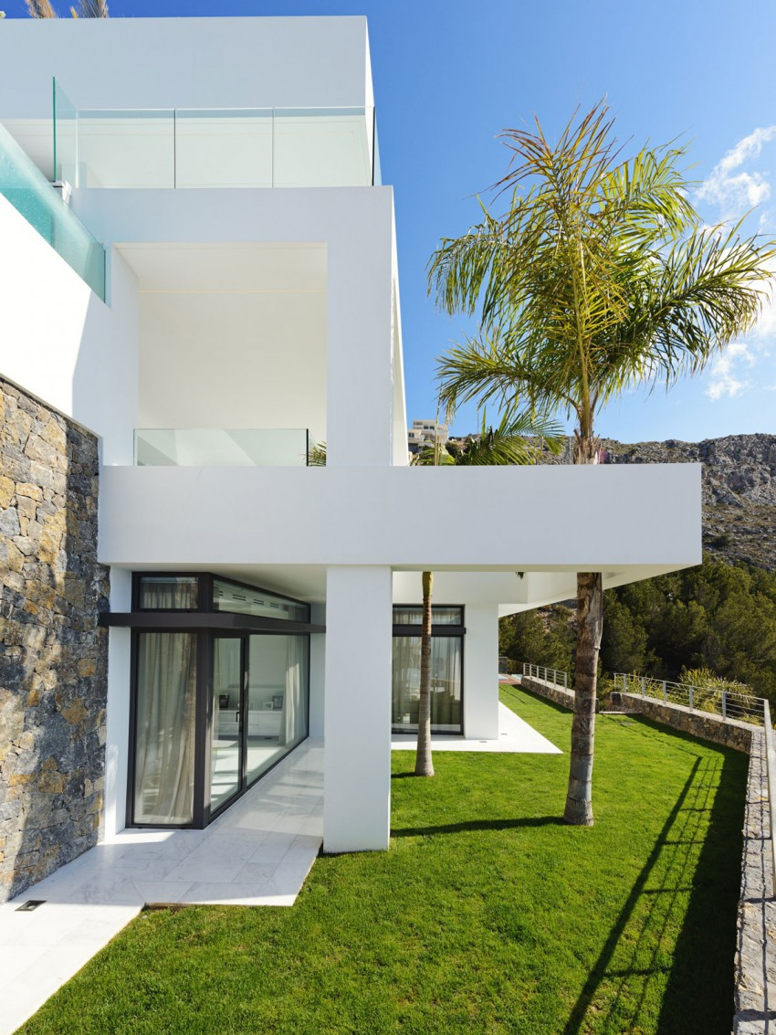The Cliff House by Altea Hills Estate 21