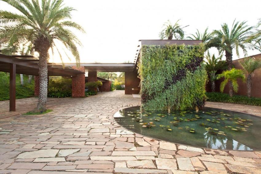 Nova Lima House by Saraiva + Associados 10