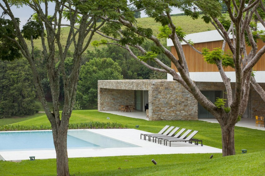 Residencia Itatiba by RoccoVidal P+W 02