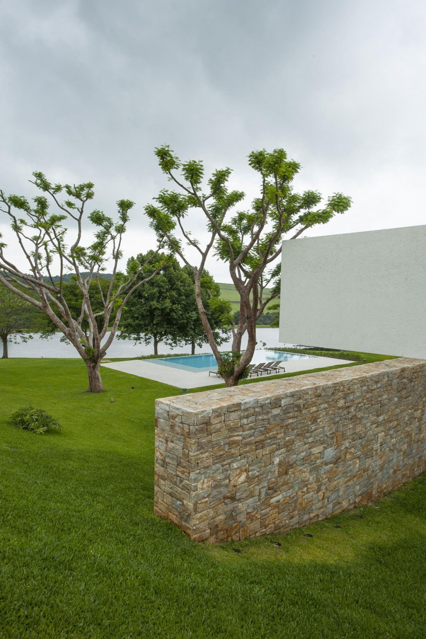 Residencia Itatiba by RoccoVidal P+W 05