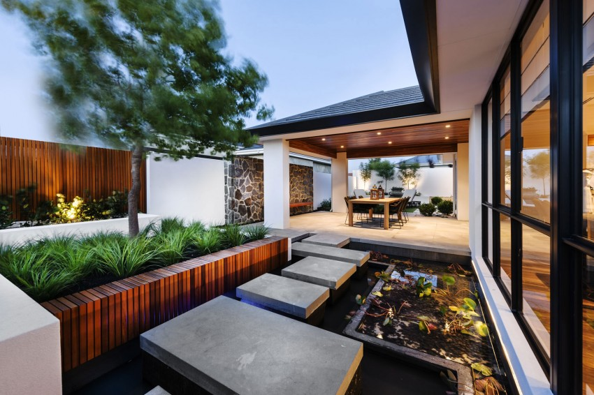 The Azumi by Webb & Brown-Neaves 12
