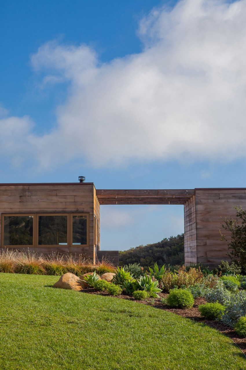 Toro Canyon House by Bestor Architecture 16