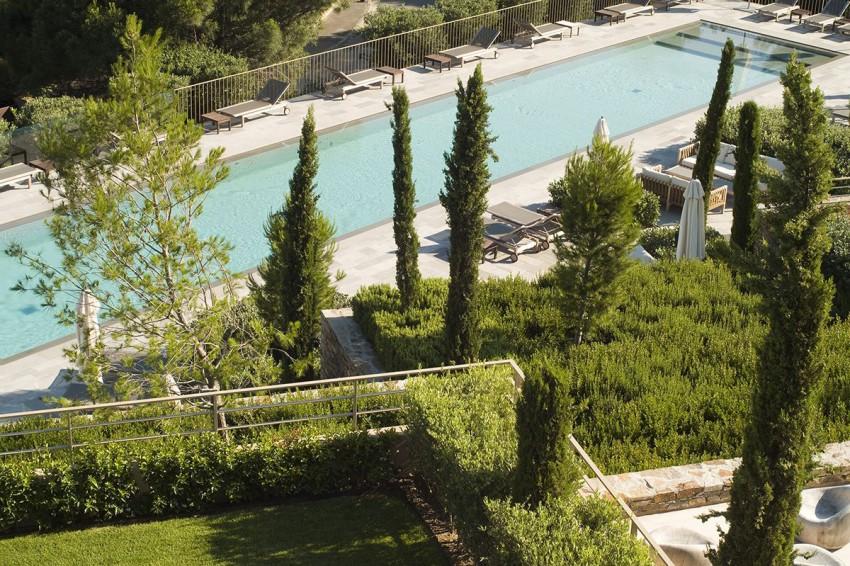 Hotel La Réserve by Jean-Michel Wilmotte 03