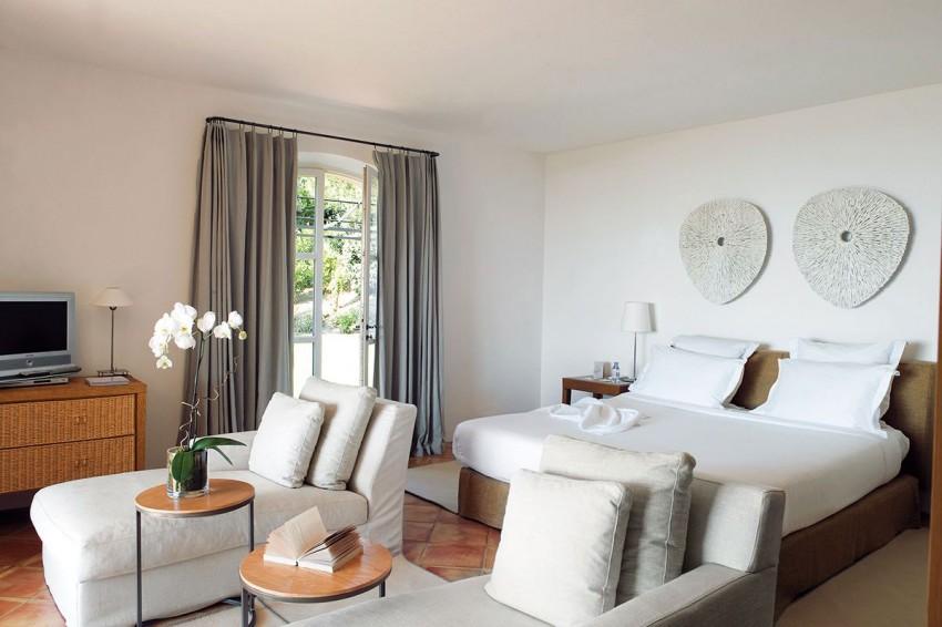 Hotel La Réserve by Jean-Michel Wilmotte 10