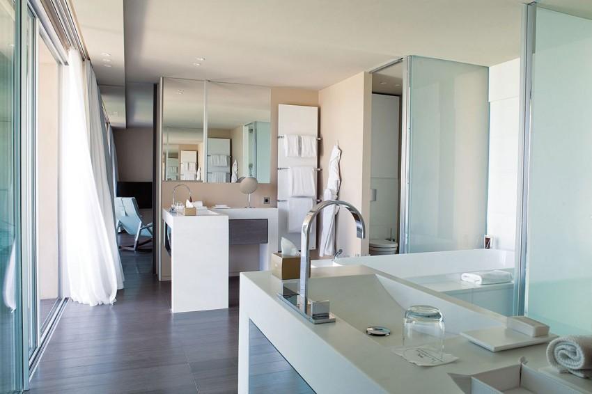Hotel La Réserve by Jean-Michel Wilmotte 13