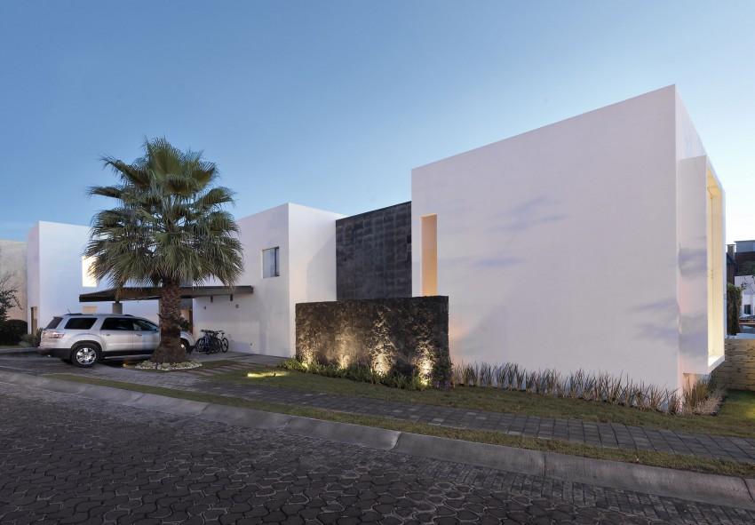 Casa ATT by Dionne Arquitectos 12