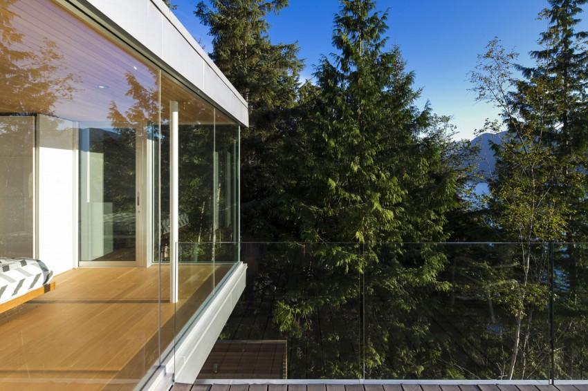 Gambier Island House by Mcfarlane Biggar Architects + Designers 02