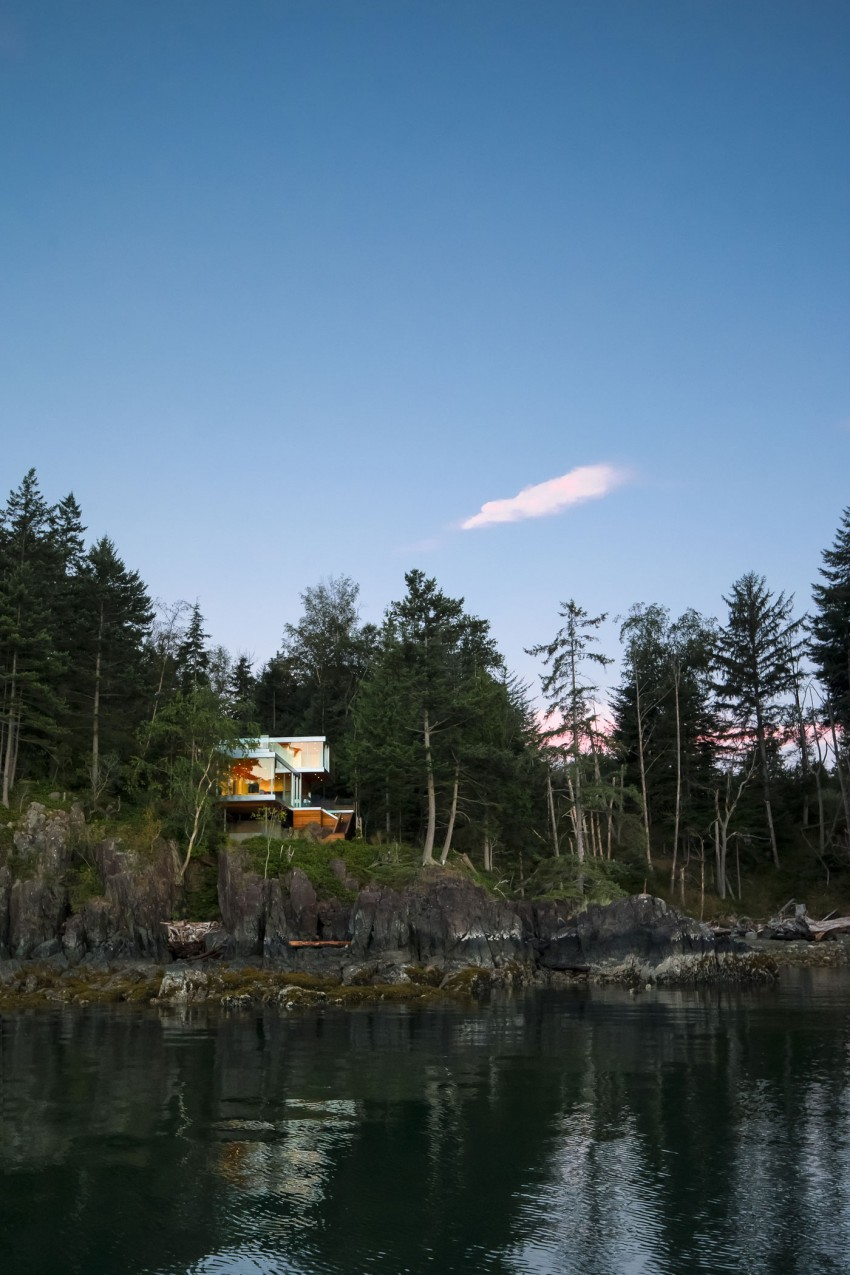 Gambier Island House by Mcfarlane Biggar Architects + Designers 10