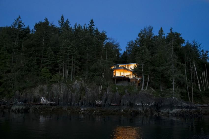 Gambier Island House by Mcfarlane Biggar Architects + Designers 12