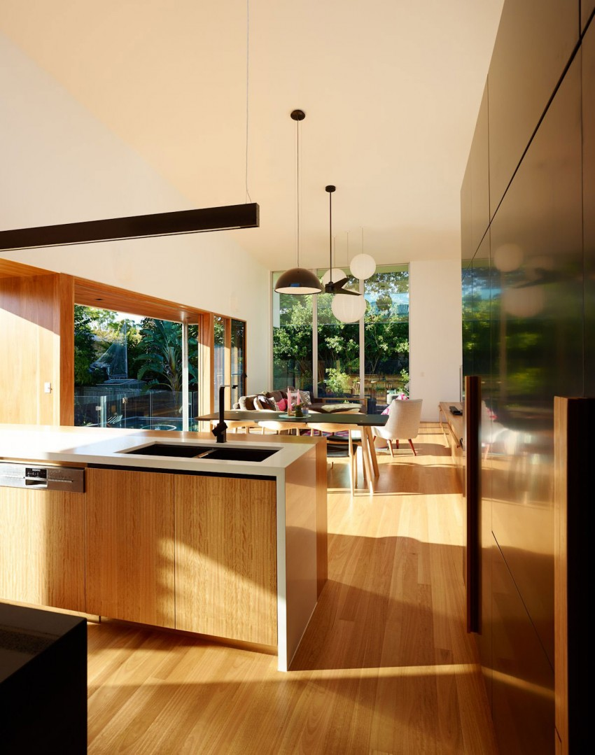 The Terraced House by Shaun Lockyer Architects 09