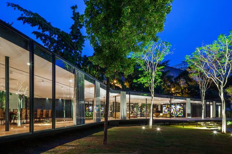 CJ House by Andrade Morettin Arquitetos Associados 01
