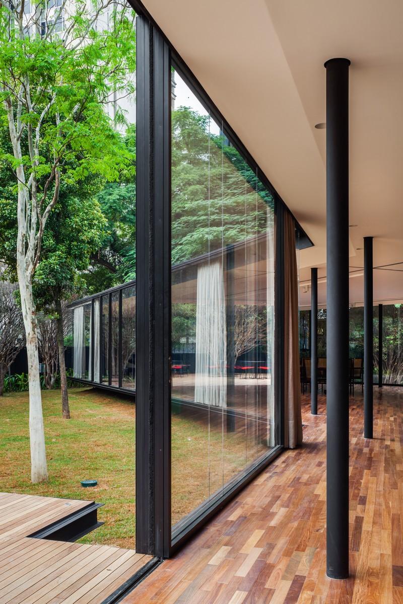 CJ House by Andrade Morettin Arquitetos Associados 05