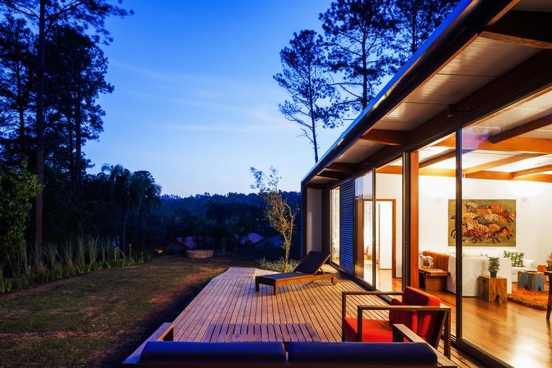 OZ House by Andrade Morettin Arquitetos Associados 02