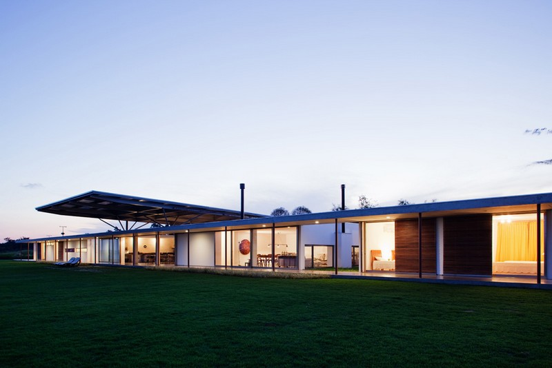 F.S. House by Andrade Morettin Arquitetos Associados 02