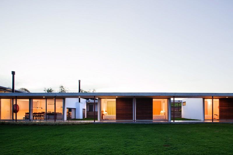 F.S. House by Andrade Morettin Arquitetos Associados 03