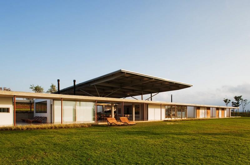 F.S. House by Andrade Morettin Arquitetos Associados 04