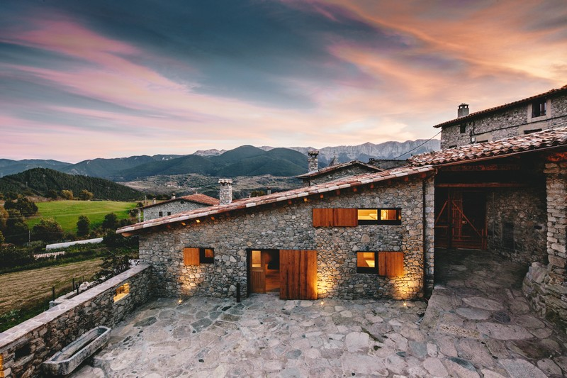 Housing Rehabilitation in La Cerdanya by Dom Arquitectura 01