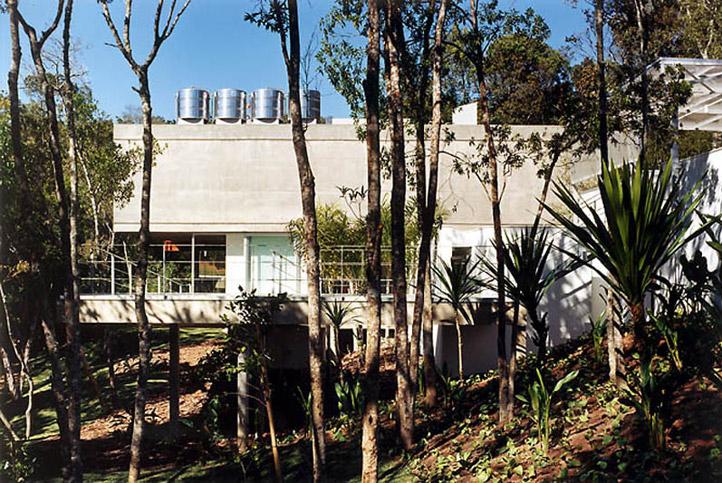 M.M. House by Andrade Morettin Arquitetos Associados 04