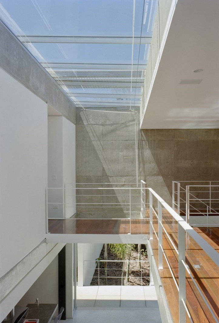 M.M. House by Andrade Morettin Arquitetos Associados 07