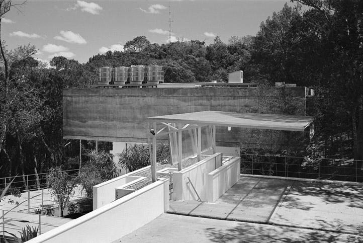 M.M. House by Andrade Morettin Arquitetos Associados 09