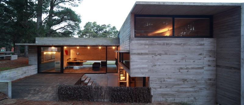 Pedroso House by María Victoria Besonías and Luciano Kruk 03