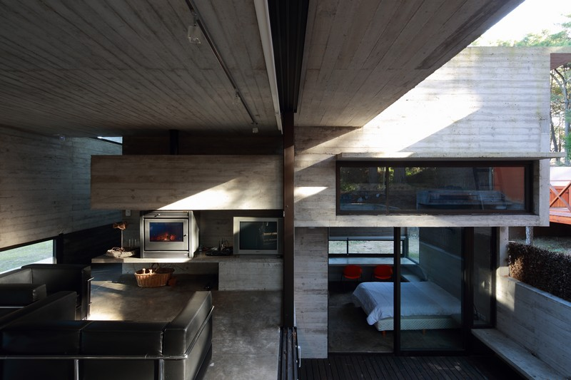 Pedroso House by María Victoria Besonías and Luciano Kruk 06