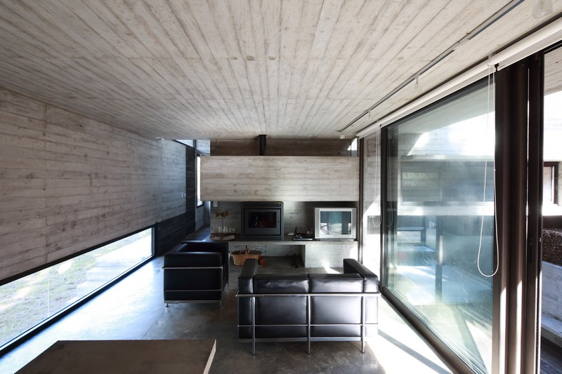 Pedroso House by María Victoria Besonías and Luciano Kruk 07