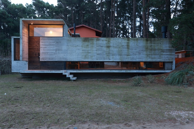 Pedroso House by María Victoria Besonías and Luciano Kruk 21