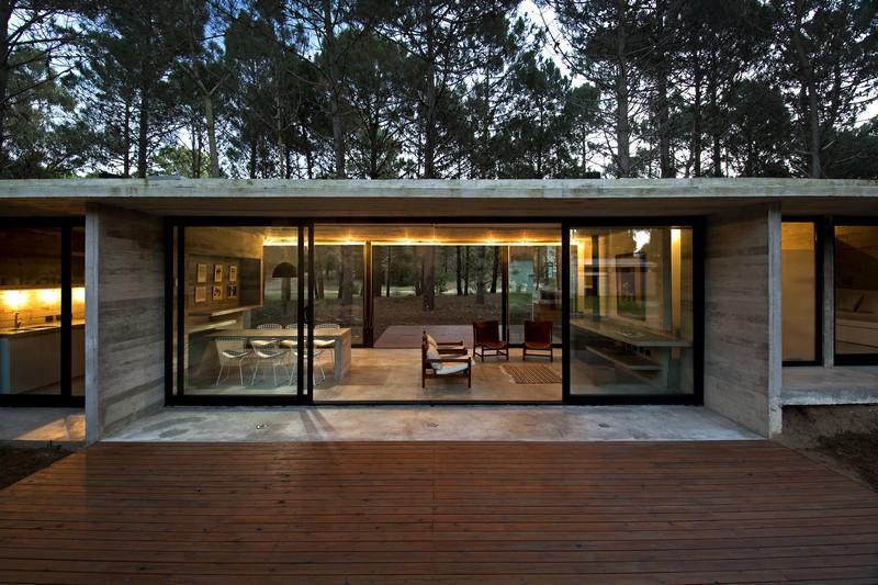 SV House by Luciano Kruk 01