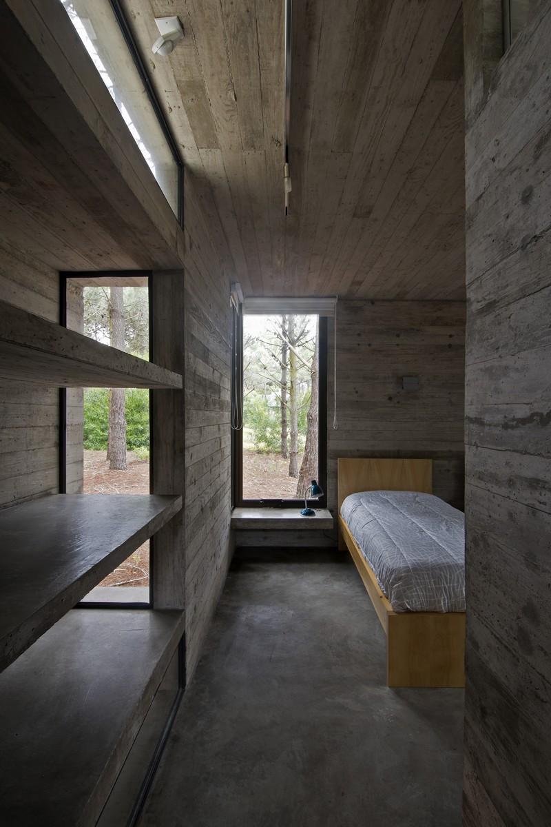 SV House by Luciano Kruk 11