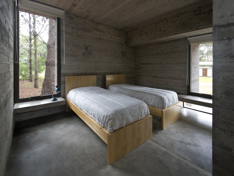 SV House by Luciano Kruk 12