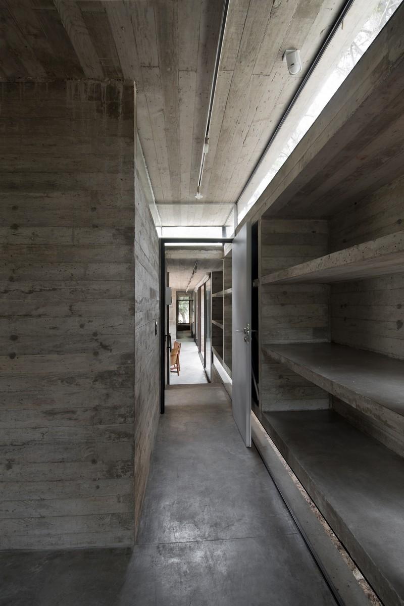 SV House by Luciano Kruk 13