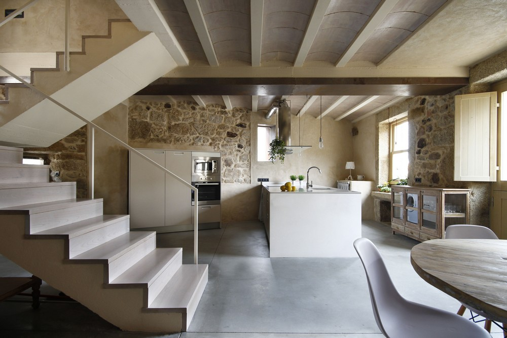 House Rehabilitation by Dom Arquitectura 01