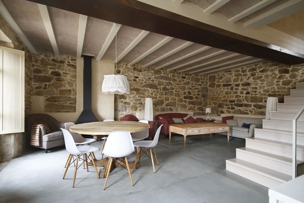 House Rehabilitation by Dom Arquitectura 02