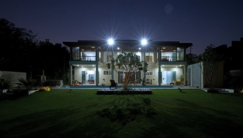 The Light-Play House by Hiren Patel Architects 03