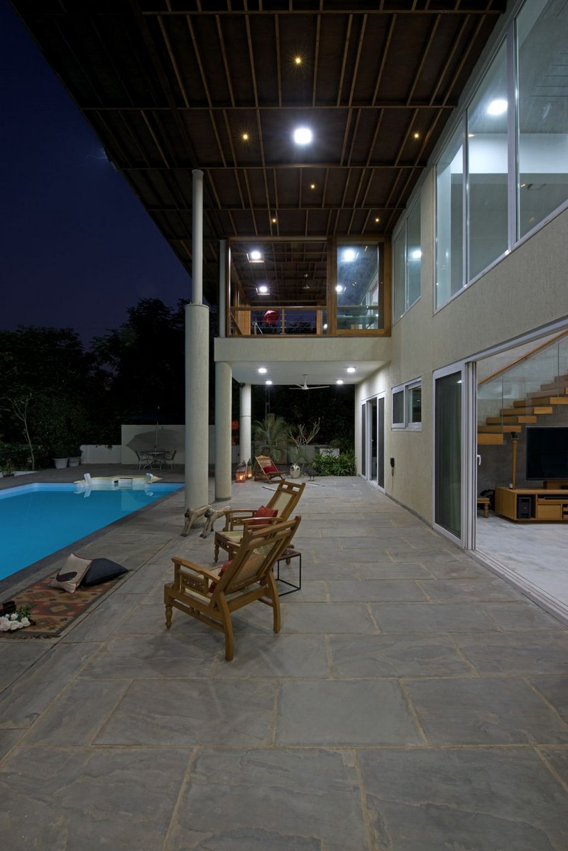 The Light-Play House by Hiren Patel Architects 04