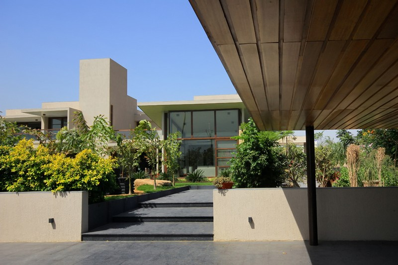 The Urbane House by Hiren Patel Architects 14