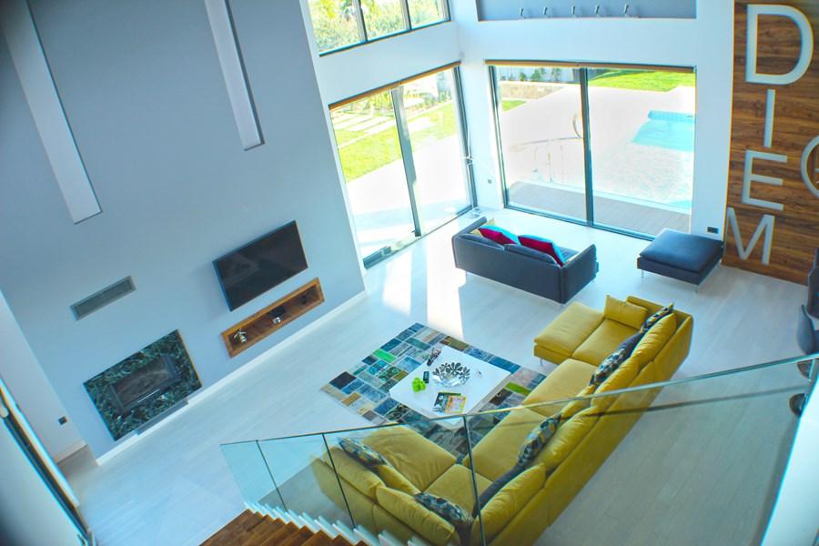 Villa De Carpe Diem by Ayzen Design Architecture 04