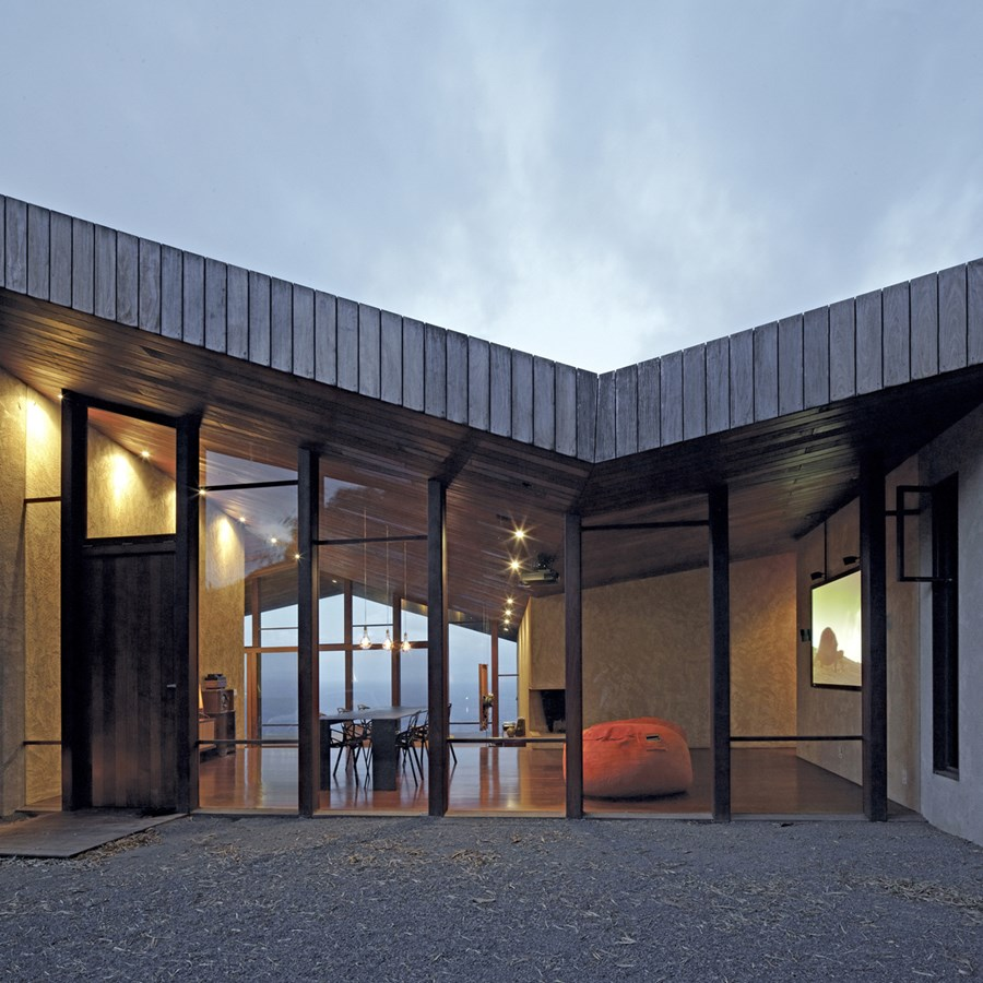 Clifftop house Maui by Dekleva Gregoric Arhitekti 02