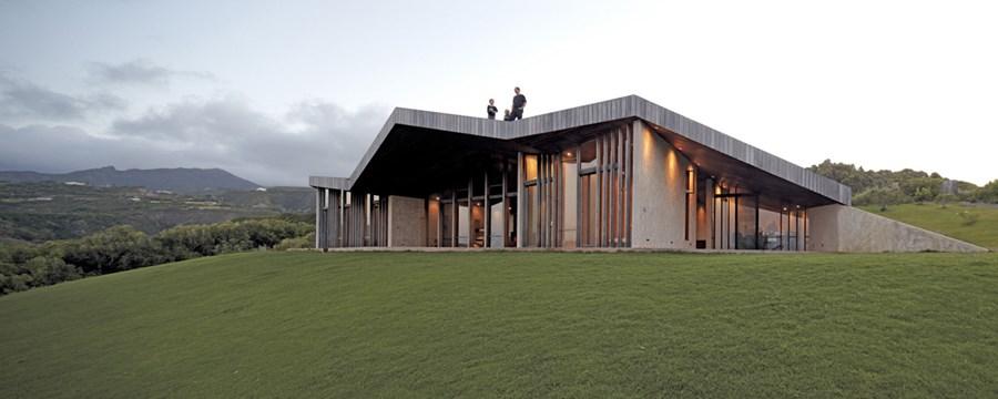 Clifftop house Maui by Dekleva Gregoric Arhitekti 03