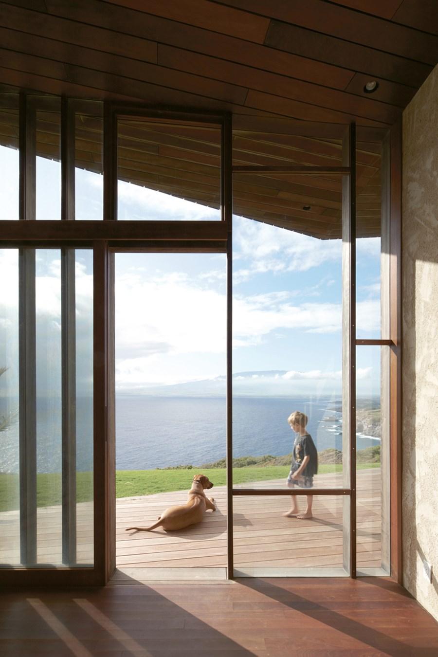 Clifftop house Maui by Dekleva Gregoric Arhitekti 13