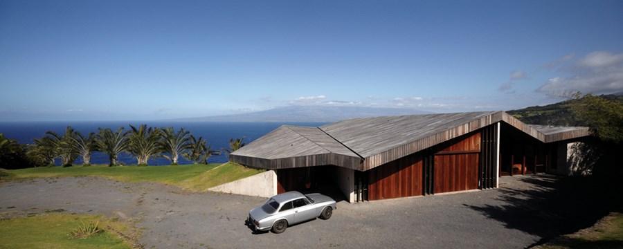 Clifftop house Maui by Dekleva Gregoric Arhitekti 16