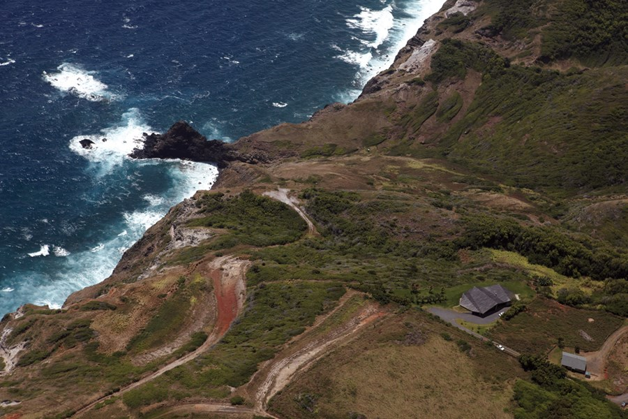 Clifftop house Maui by Dekleva Gregoric Arhitekti 25