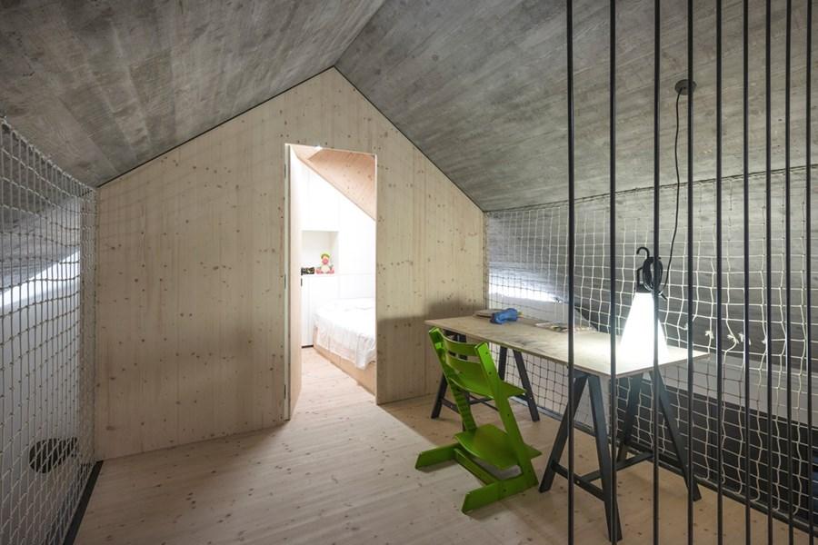 Compact Karst house by Dekleva Gregoric Arhitekti 14