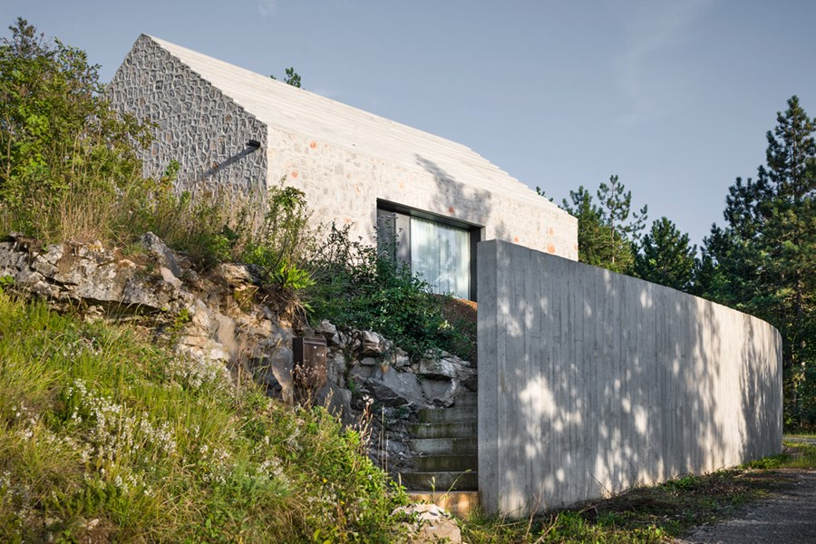 Compact Karst house by Dekleva Gregoric Arhitekti 17