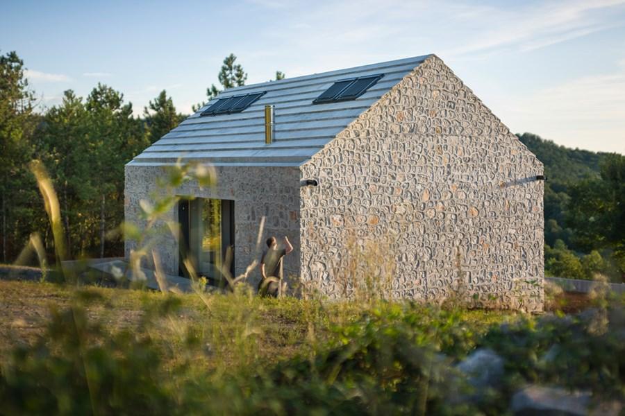 Compact Karst house by Dekleva Gregoric Arhitekti 18