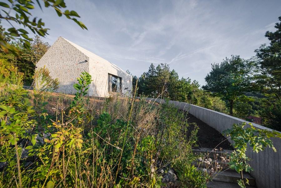 Compact Karst house by Dekleva Gregoric Arhitekti 21