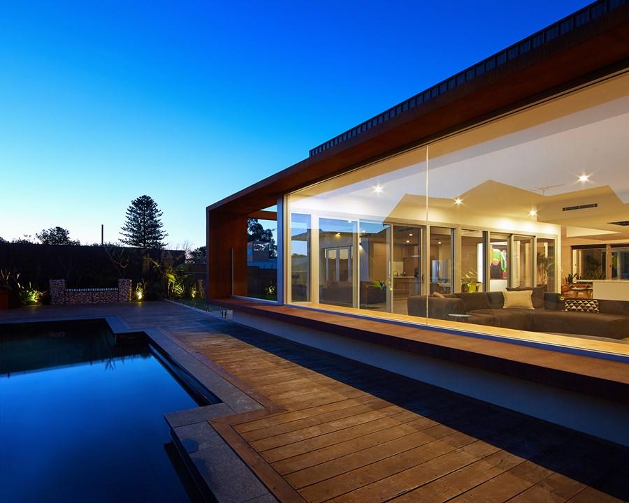 The Boulevard, City Beach house by Mark Aronson Architecture 03